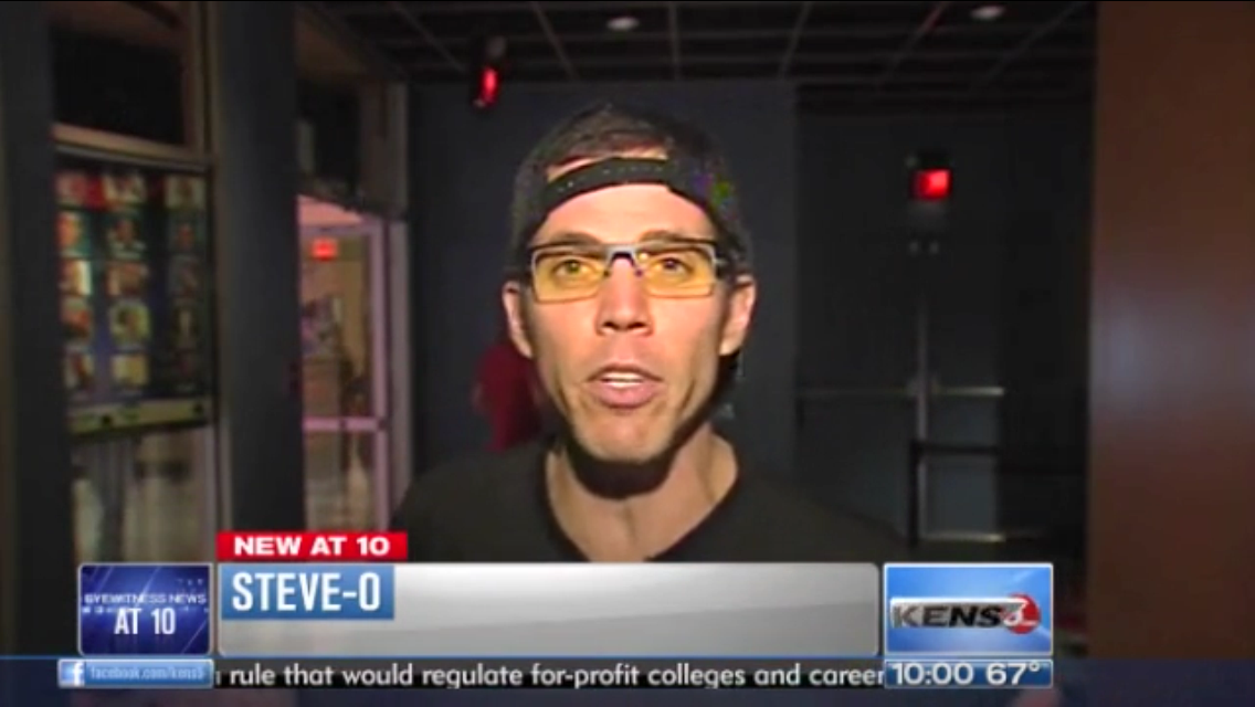 Steve-O is wearing his GUNNAR Epochs on the news in Texas!
