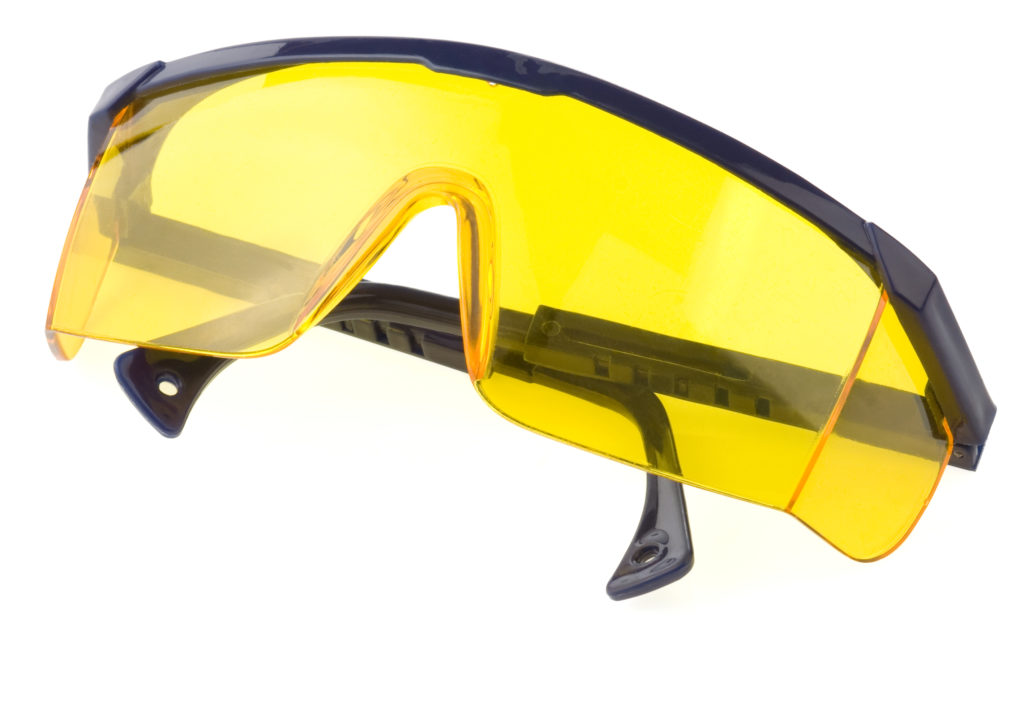 blue light glasses versus yellow safety glasses